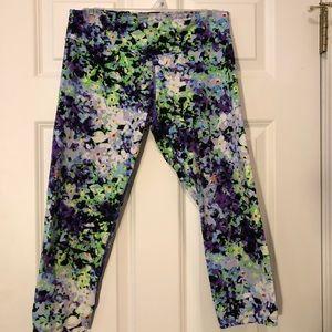 Vibrant Capri leggings